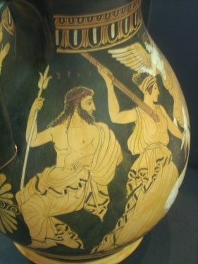 CLASSICAL RED FIGURED PELIKE  WITH THE KINDAPPING OF THETIS BY PYLEAS. CLASSICAL GREEK POTTERY PELIKE