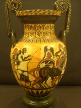 CLASSICAL BLACK FIGURED AMPHORA WITH THE TROYAN WAR  CLASSICAL GREEK POTTERY AMPHORA